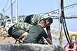 直击寿光救灾丨消防官兵4天4夜不断工作 困了就睡在水带上