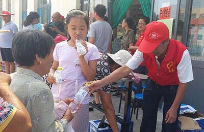 山东启动生活必需品应急保障机制 向潍坊灾区调运2万多条毛巾