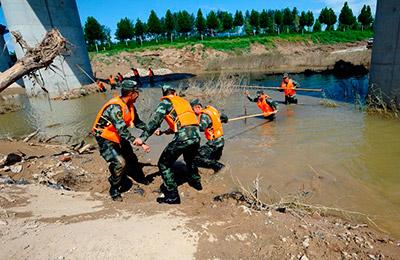 《光明日报》聚焦山东开展抗灾救灾纪实:洪水中挺起不屈的脊梁