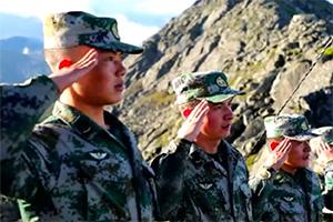 """云中哨所!他们在海拔4655米的""""世界屋脊""""让国旗高高飘扬"""