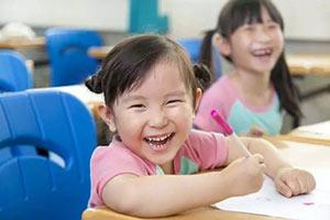 """临朐电视台 丨  从""""没学上""""到""""上好学"""",临朐孩子最先享受到开放红利"""
