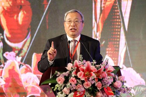 中国石油和化学工业协会副会长兼秘书长赵俊贵