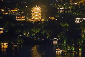 不但有夏雨荷!科技让大明湖的夜有了新亮点,如梦如幻!