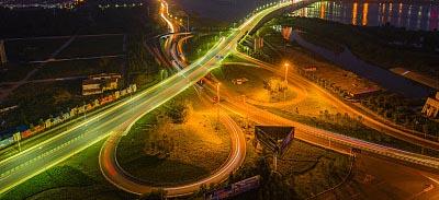 强化重点基础设施建设