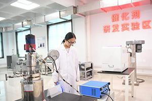 鲁西化工:打破国际垄断!首家掌握光气法聚碳酸酯技术的中国企业