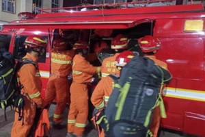 四川宜宾长宁县境内多处道路塌方 禁止社会车辆通行