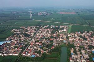 127秒丨空中俯瞰宁阳西张庄村 绿色村庄萌发向上力量