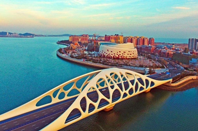 共和国发展成就巡礼•山东篇丨青岛西海岸:创新发展 渔村变身国际新城