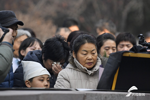 济南籍原三军仪仗队队员张勇安葬在烈士陵园 母亲:我很坚强