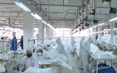 央视《新闻直播间》:抗击疫情 烟台临时改造民用防护服生产线