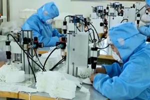 央视《焦点访谈》:潍坊一企业克服困难日产6万个口罩