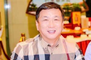 淄博市青岛商会会长、淄博盛金稀土功能材料股份有限公司董事长徐飞