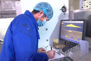潍坊滨海区无纺布企业24小时生产 保障防疫物资供应