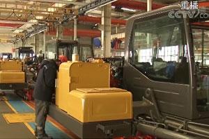 央视《晚间新闻》:山东青岛施策精准发力 企业复工复产有序展开