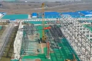 央视《朝闻天下》关注山东济南国博城会展中心主体钢结构开工