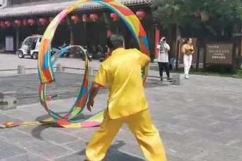 """""""走向我们的小康生活""""采访团探访青州古城:70多项非遗展演扮靓古城"""
