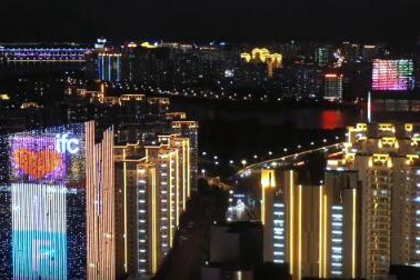祖国万岁!沂河畔流光溢彩 20万盏景观灯为临沂披上盛装