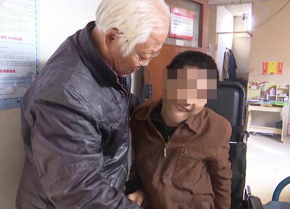 最美聊城  | 人间大爱!捡回脑瘫弃婴,聊城这位老人不离不弃呵护他24年