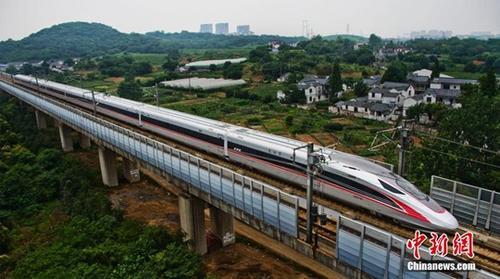 """全国铁路10日起实行新运行图 增开""""复兴号""""列车.jpg"""