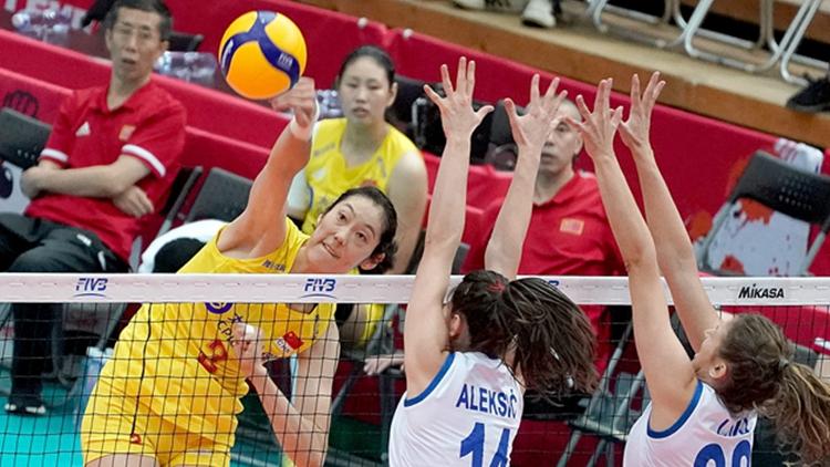 中国女排取10连胜 提前卫冕喜提五冠王