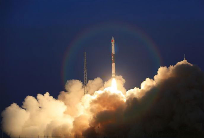 全球多媒体卫星系统α阶段A、B卫星成功发射