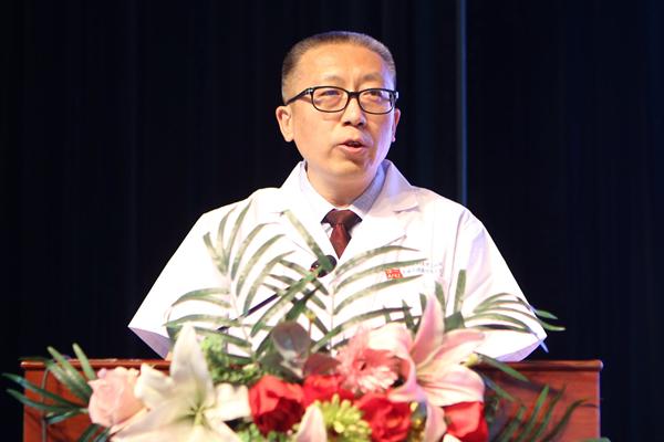 呼吸与危重症医学科副主任医师王连忠发言.jpg