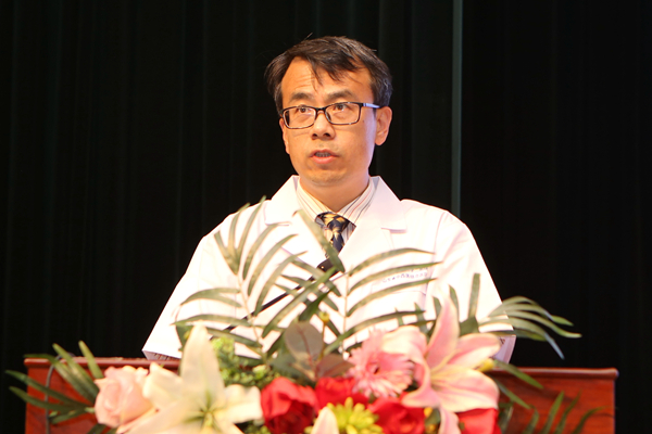 医院感染管理办公室主任、副主任医师王世浩发言.jpg