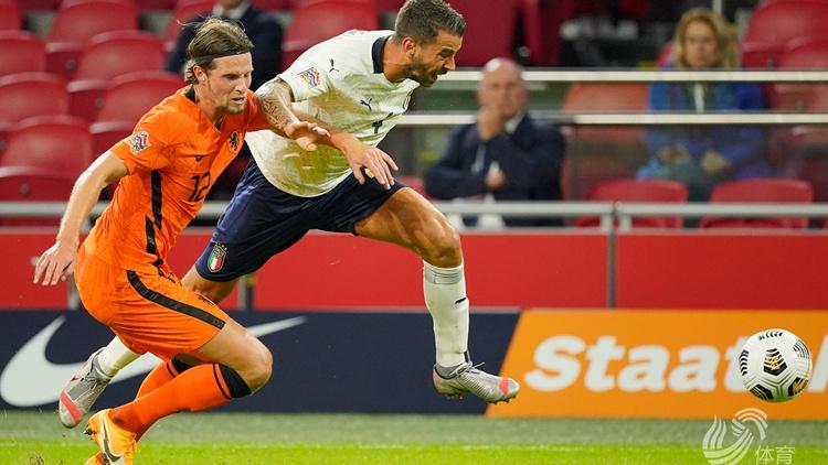 意大利一球小胜荷兰,因莫比莱助攻巴雷拉破门