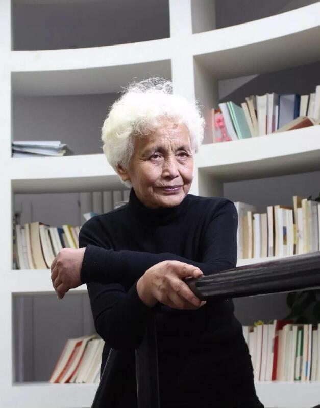 """""""传奇奶奶""""姜淑梅:70岁开始写作 成畅销作家"""