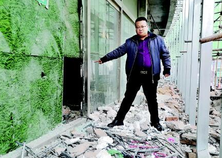 潍坊:蟊贼频频钻洞进工地,保安彻夜蹲守抓现行