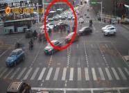 潍坊两司机发生轻微事故不撤离,造成拥堵被处罚!