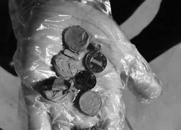 向飞机投硬币,旅客被行拘 导致当天潍坊至海口航班取消,已于次日补发