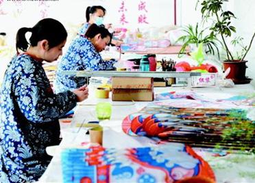 山东潍坊:做强风筝产业 打响城市品牌