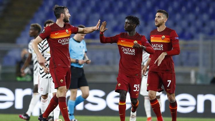 卡瓦尼2球哲科破门 曼联2-3罗马