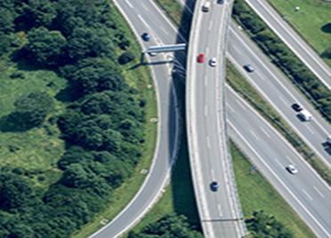 高考期间泰安市部分道路 实行交通管制为考生让行