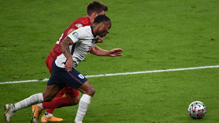 英格兰力克丹麦队史首进欧洲杯决赛