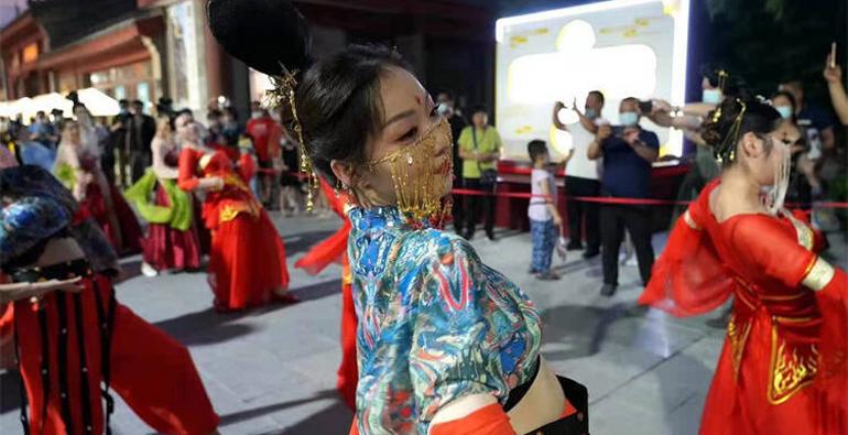 潍坊:十笏园文化风情街区 打造夜间文旅消费打卡地