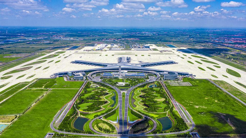"""青岛胶东国际机场正式运营 带你揭秘""""海星内核"""""""