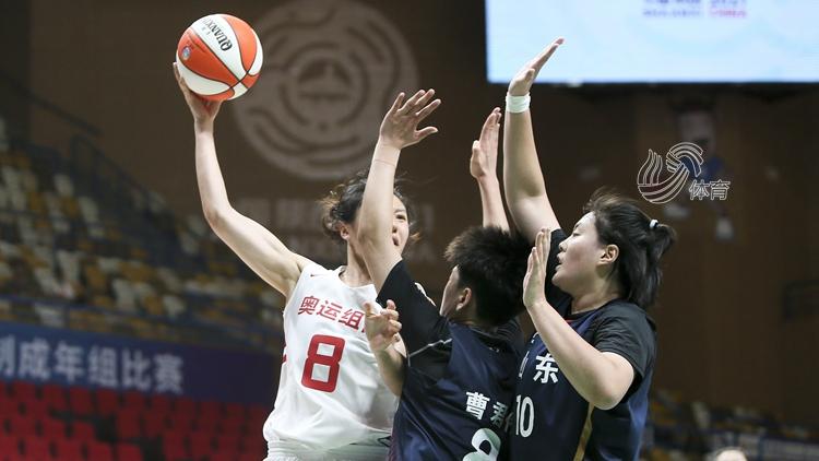 曹君伟16分,全运会女篮半决赛山东不敌奥运联合队