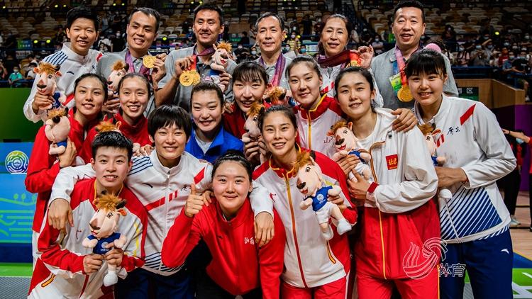 十四运女篮成年组决赛,联合队大胜江苏夺冠