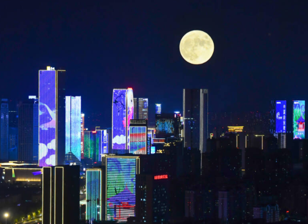 组图丨圆月升空 济南哪里的中秋月最美