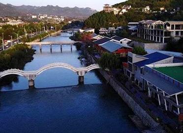 济南南部门牙景区小桥流水美如江南