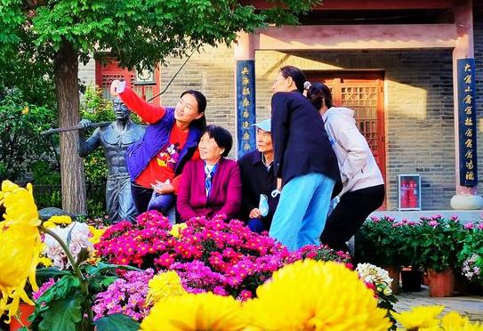 孙爱军书记李长萍市长致全市老年人的慰问信