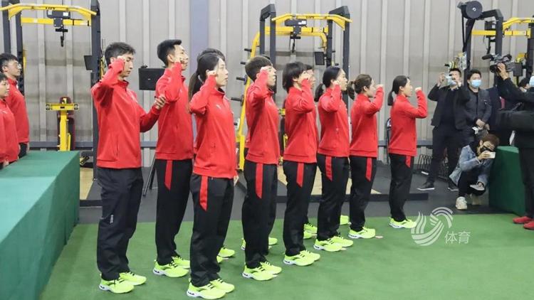 中国短道速滑队出征新赛季,山东三人跻身世界杯参赛阵容