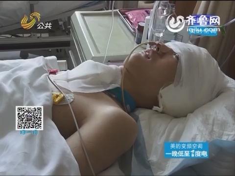 """追踪报道:竹竿""""穿头""""男孩 昏迷近一个月 对外界刺激有了反应"""