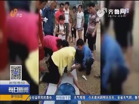 烟台:男子昏死车内 附近村民施援手
