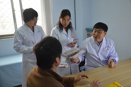 国际著名肿瘤专家王振国走进华方医院