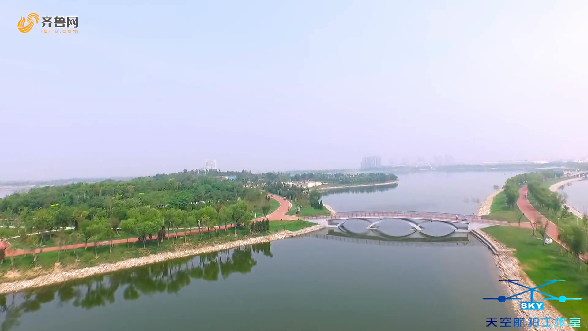 航拍东营翠鸣湖