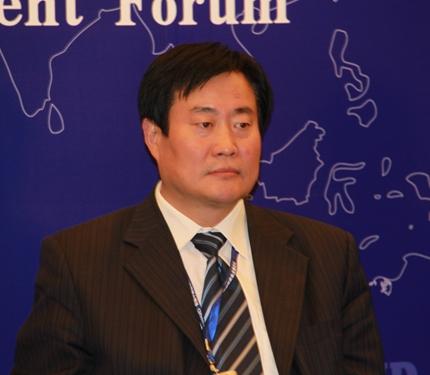 山东泉林纸业有限责任公司董事长李洪法
