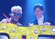 """世界最性感圣诞老人和中国""""潮叔""""山东春晚首秀"""